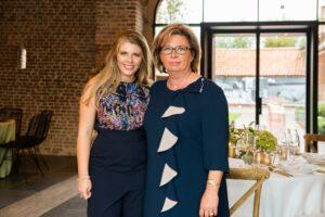Tania Huys, de eigenares van de vroegere omwalde vierkantshoeve, en dochter Sarah Kemseke vormen er sinds 2018 de drijvende krachten achter menig succesvol event.