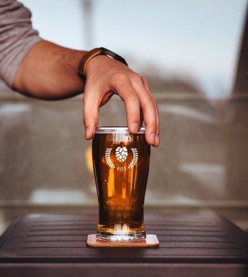 Grafisch ontwerp bierglas met logo door Easybranding