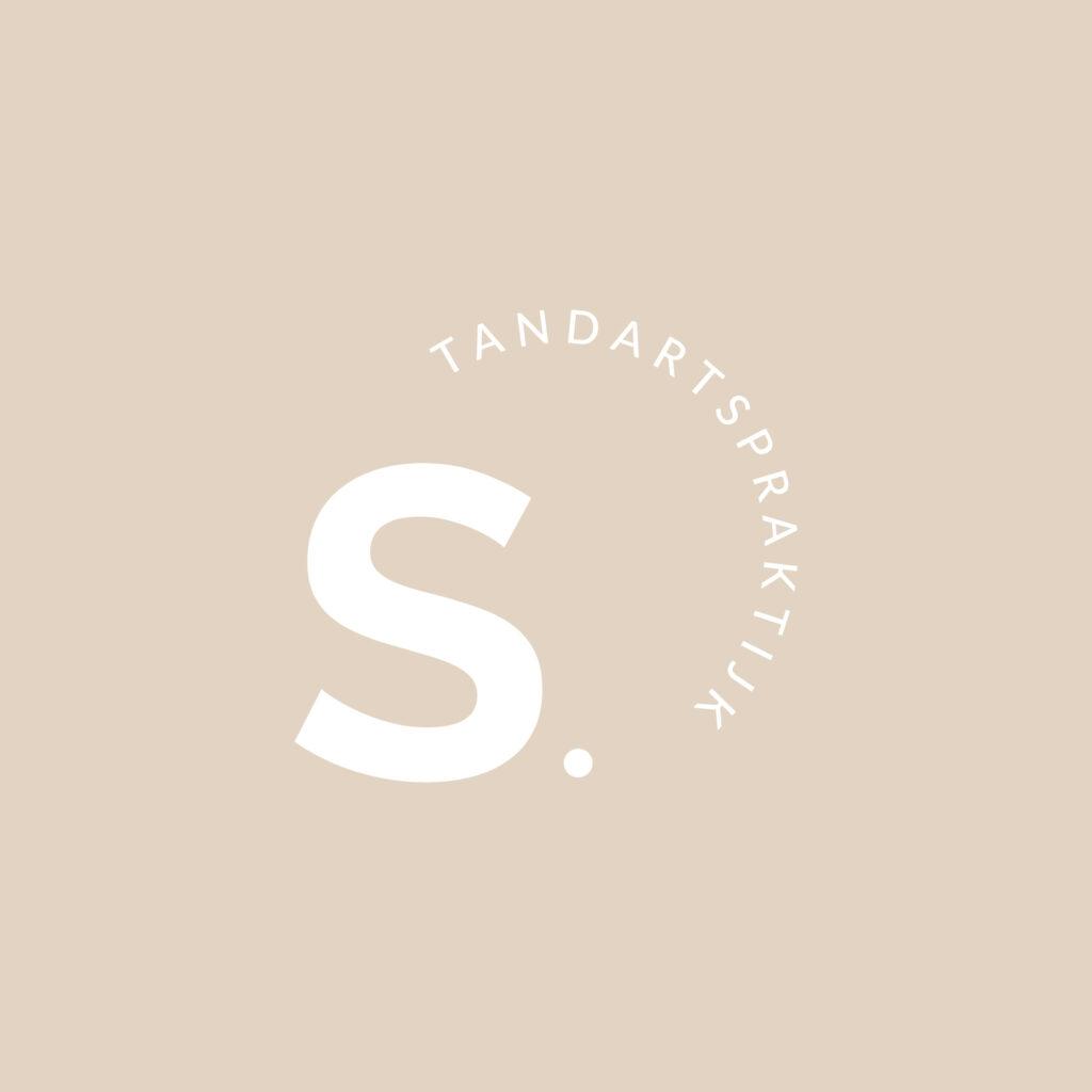 Nieuw logo tandartsenpraktijk Sagaert gemaakt door Easybranding